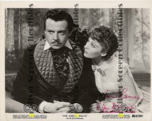 Photo Signed by Luise Rainer